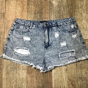 Forever 21 plus size 14 distressed shorts